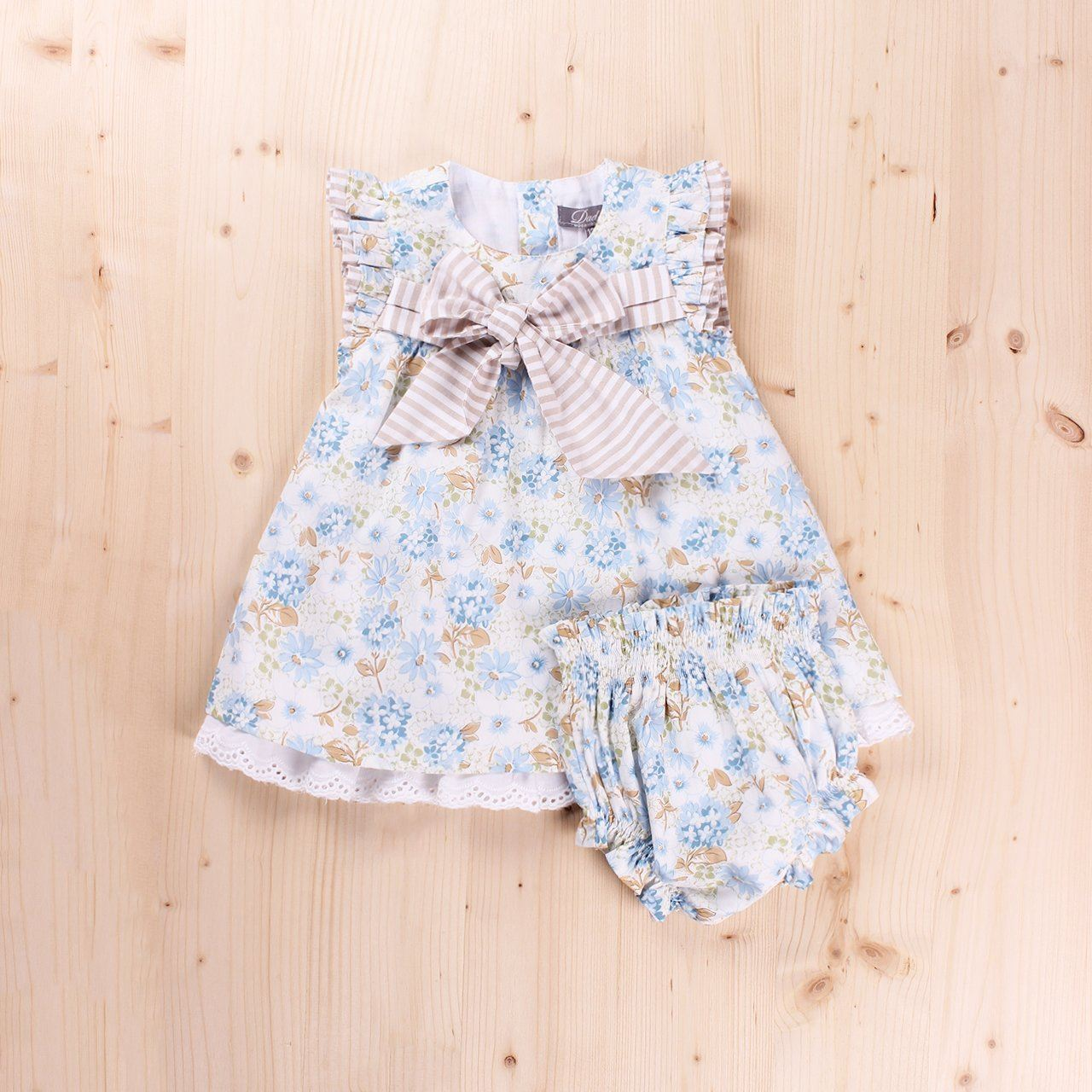 b88df8eeb100 Vestido Bebé Petunia lazo pecho y braguita. Dadati - Moda infantil