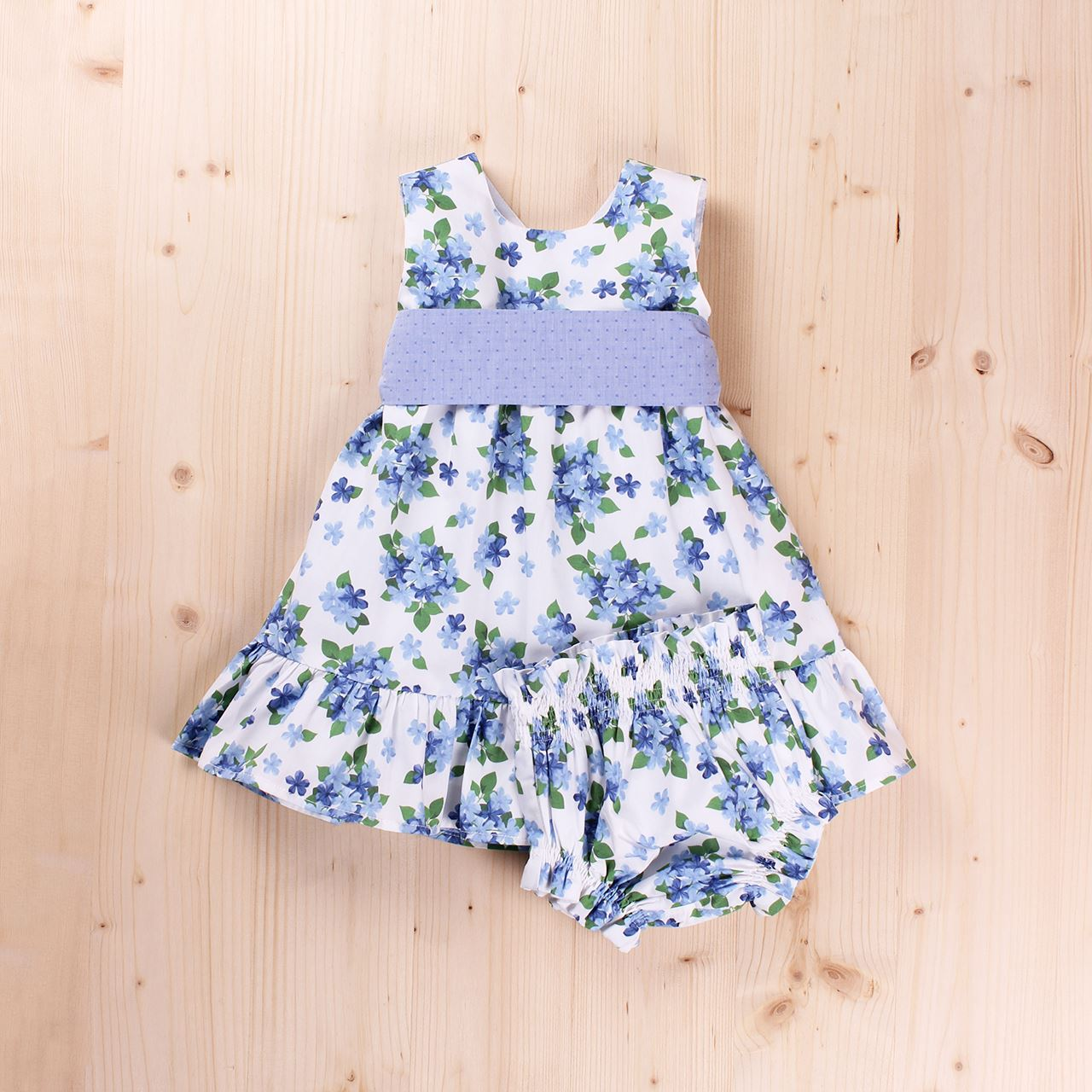0ef18ab7d4ce Vestido bebé dobby flores y lazo, con braguita. Dadati - Moda infantil