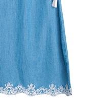 Imagen de Vestido de niña en denim bordado