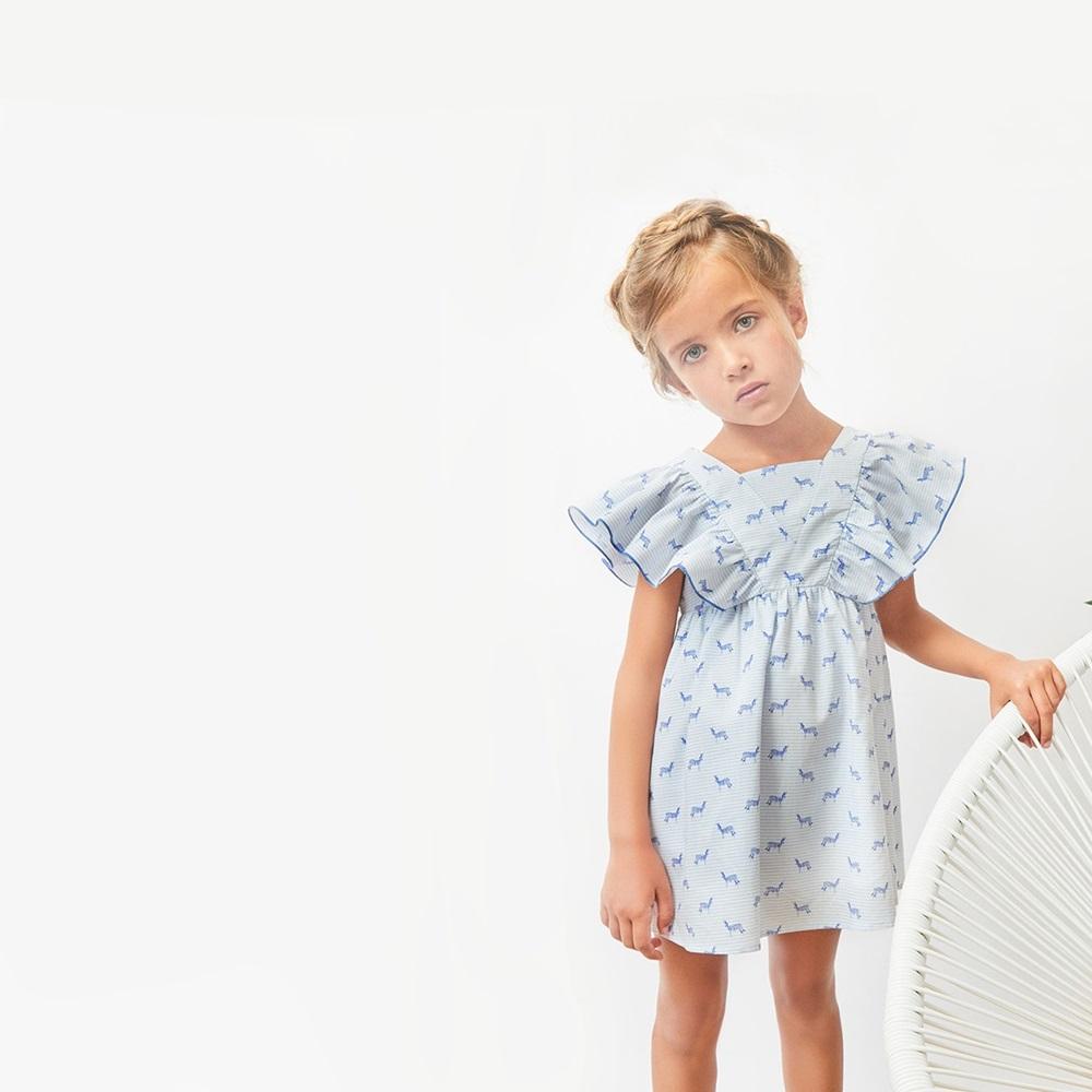 Imagen de Vestido de niña con estampazo de cebras y volantes
