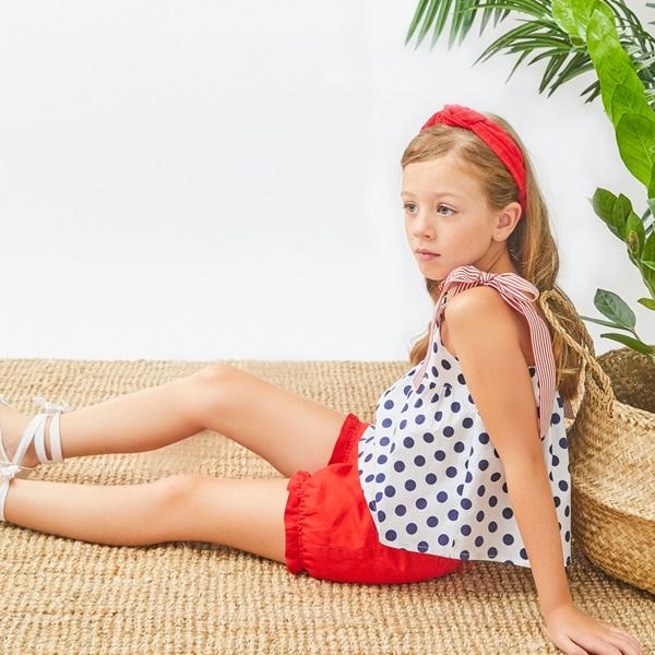 Imagen de Blusa de niña de lunares con tirantes