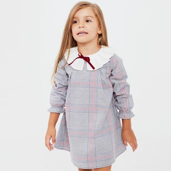 Picture of vestido de cuadros con cuello blanco plisado