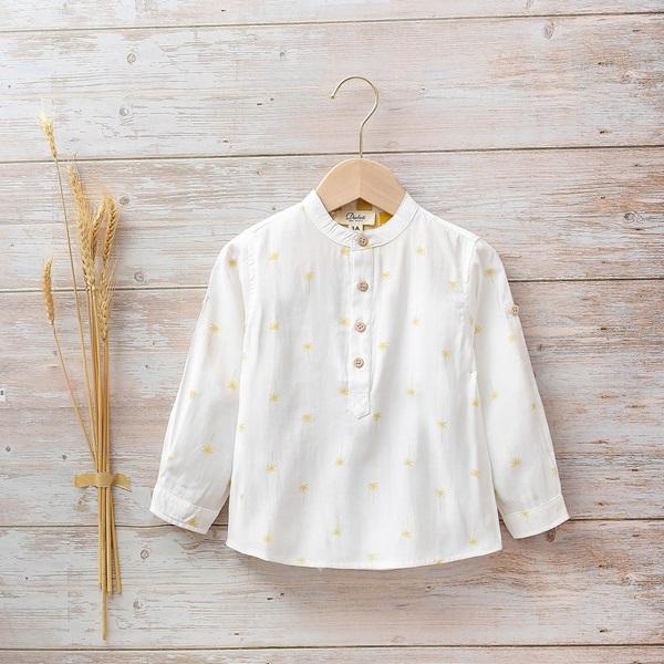 Picture of Camisa niño con estampado de palmeras y botones de madera