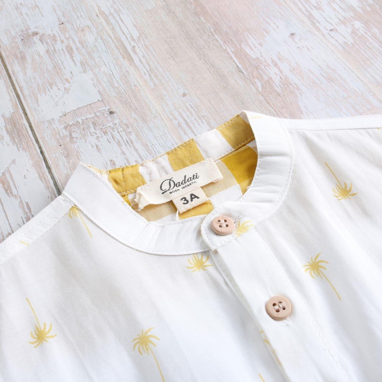 Imagen de Camisa niño con estampado de palmeras y botones de madera