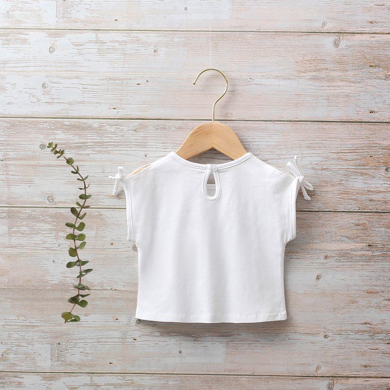 Imagen de Camiseta blanca niña con estampado de chica
