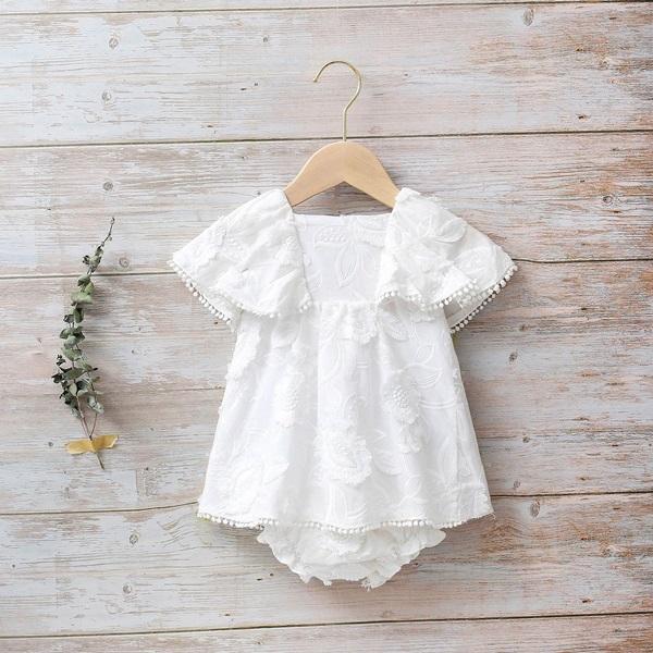 Picture of Vestido bebé Dalía blanco con manga capa