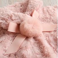 Imagen de Abrigo  bebé rosa Blancanieves