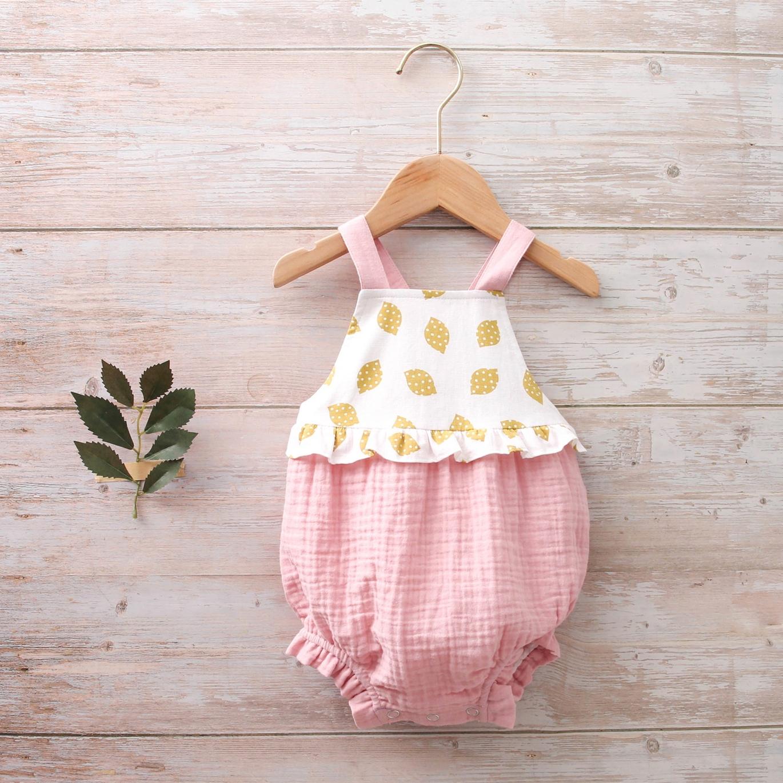 Imagen de Ranita bebé tirantes rosa bambula combinación estampados limones