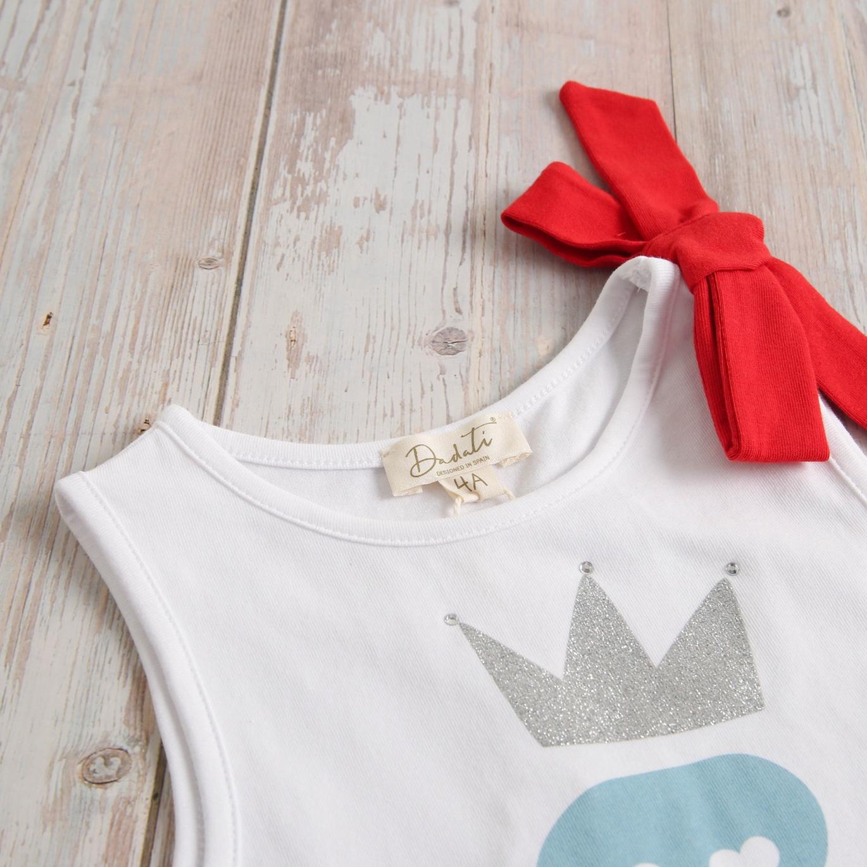 Imagen de Camiseta niña volante rojo y estampado de calavera