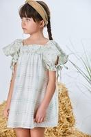 Imagen de Vestido niña verde manzana combinacion tejidos flores y cuadros