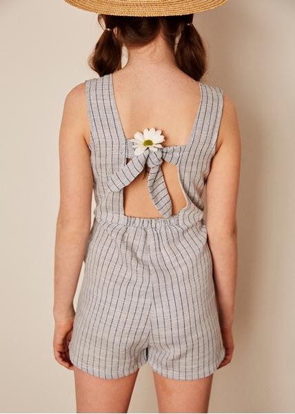 Imagen de Mono niña porcelana rayas azules con botonera delantera