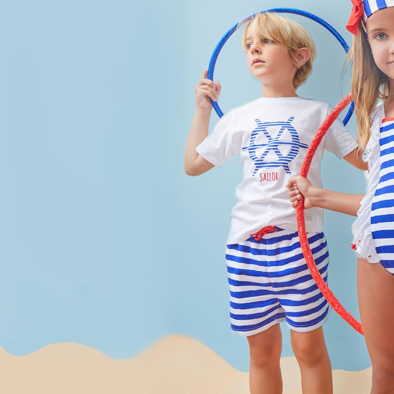Imagen de Bañador de niño de rayas marineras tipo bermuda