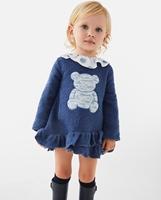 Imagen de Vestido de bebé niña tejido punto azul con bordado de oso