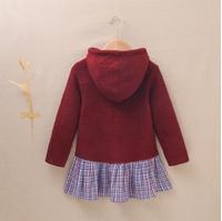 Imagen de Vestido de niña con capucha en punto granate y combinacion de cuadros